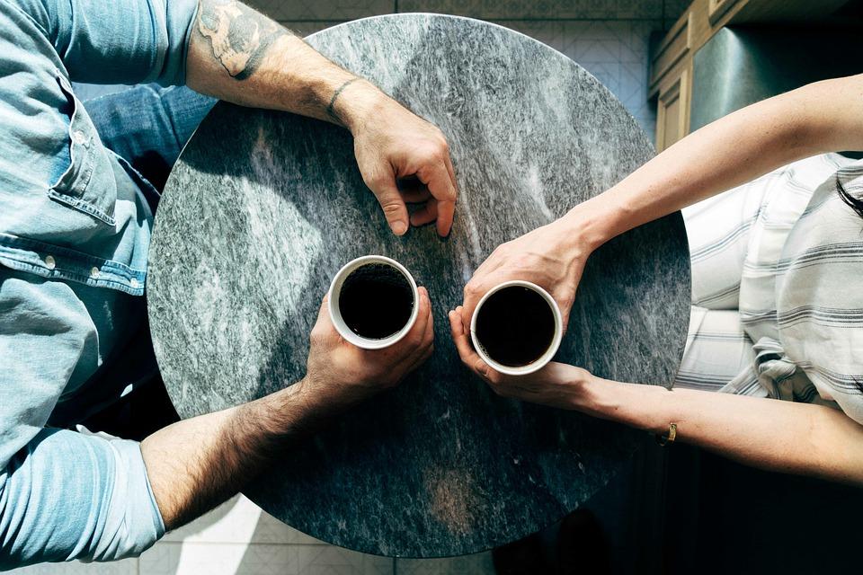 コーヒー、男女