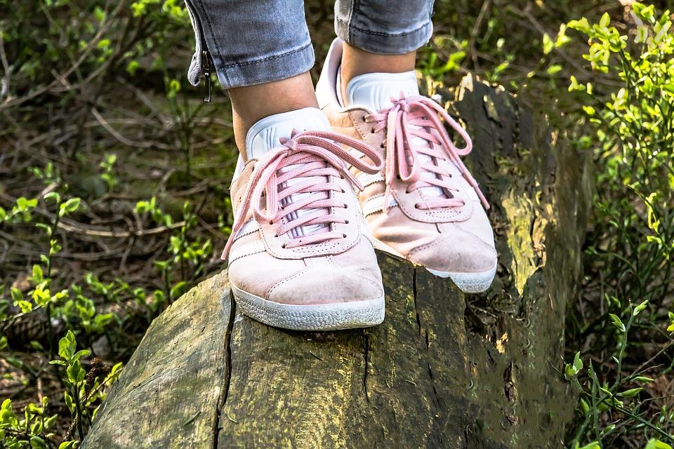 靴、ステップ