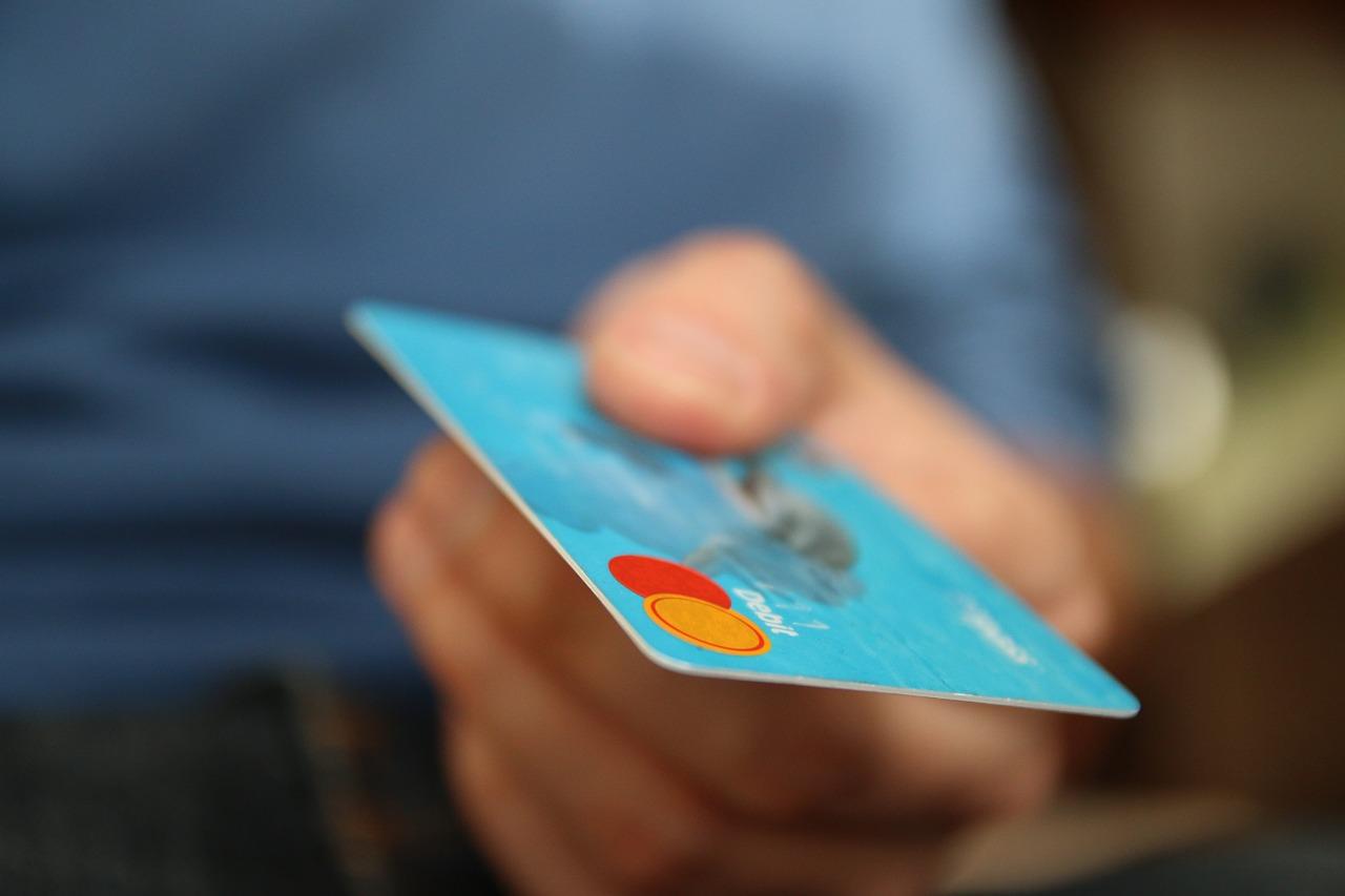カードで支払い